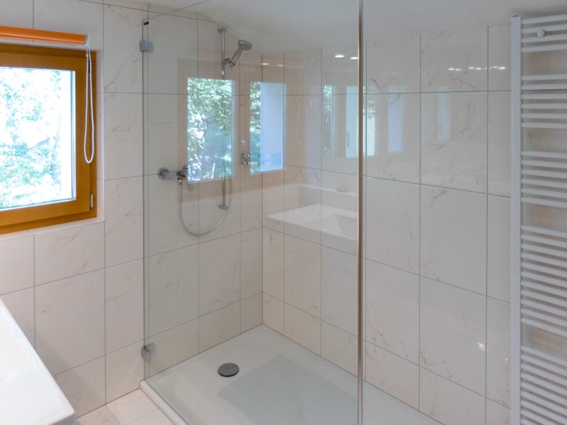 Chasa Spadla: Badezimmer im ersten Stock