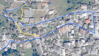 Fussweg und Zufahrt zum Ferienhaus Sent Chasa Spadla